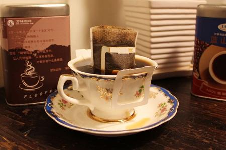 挂耳咖啡与速溶咖啡有什么区别?挂耳咖啡泡多次会不会影响健康?