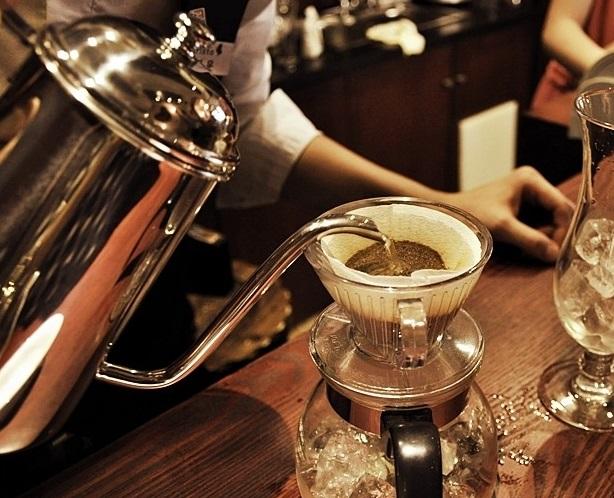 咖啡制作的详细要点:滤纸滴漏法和法兰绒滴滤法的区别介绍