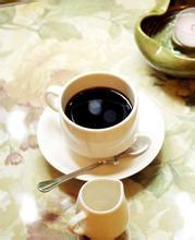 咖啡拉花对牛奶的标准制作过程视频介绍