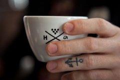 不把自己当客人却又要时时用客人的眼光来看自己的咖啡店