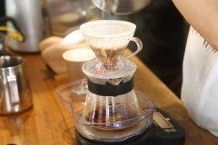 咖啡师技能《专业咖啡师手册》(七)滴滤式咖啡和手冲咖啡