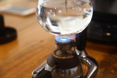 咖啡师技能译文《专业咖啡师手册》(八)冲煮精品咖啡用的水