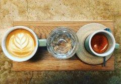 手冲咖啡和浓缩咖啡的有什么区别?喝咖啡一定要加奶吗?
